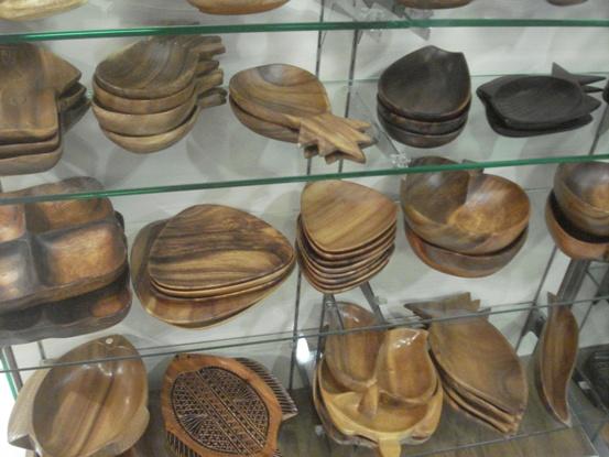 木彫りの食器
